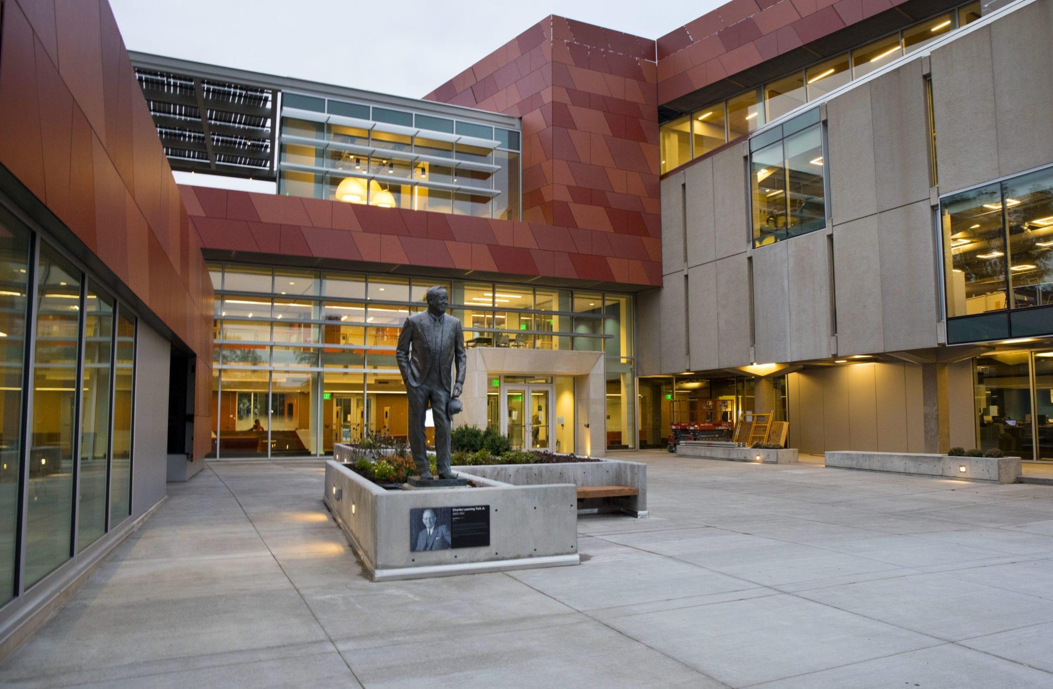 Tutt-Library-entrance